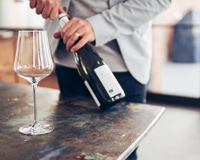 wijn fles openen doos