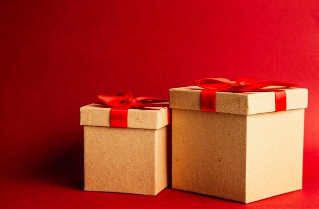 kartonnen doos cadeau strik